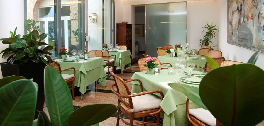 Bellevue San Lorenzo Hotel, Malcesine, Lake Garda, Italy - restaurant.jpg